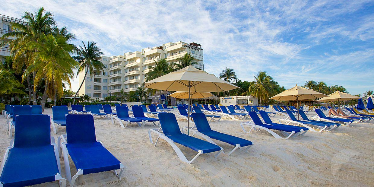 Isla Mujeres Accommodations - Ixchel Beach Hotel on North beach